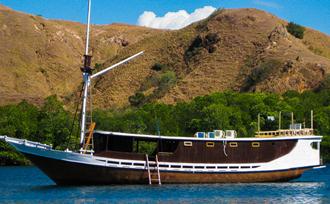 vakantie-Indonesie-boot-Labuan-Bajo