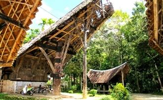 Indonesie-rondreis-Sulawesi-Mamasa-huis