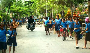 Schoolkinderen-op-Bali