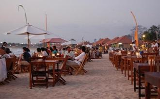 vis eten strand Jimbaran Bali